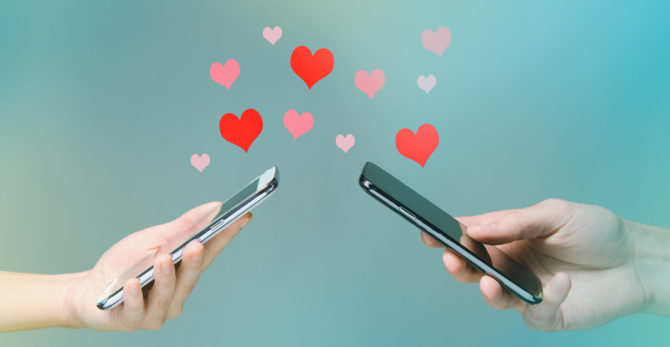 7+ Valentine's Day Ideas For Couples In Long-Distance Relationships